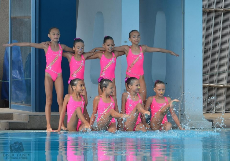 f584e455d9d Синхронно плуване - красота, свързваща спорта с изкуството - Вестник ...